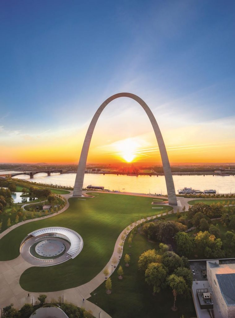 Gateway Arch 10-18 Sunrise2 - McElroy Commercial Photography