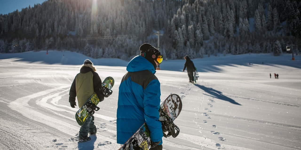 Snowboarding 2021: 3 Destinations on a Student's Budget