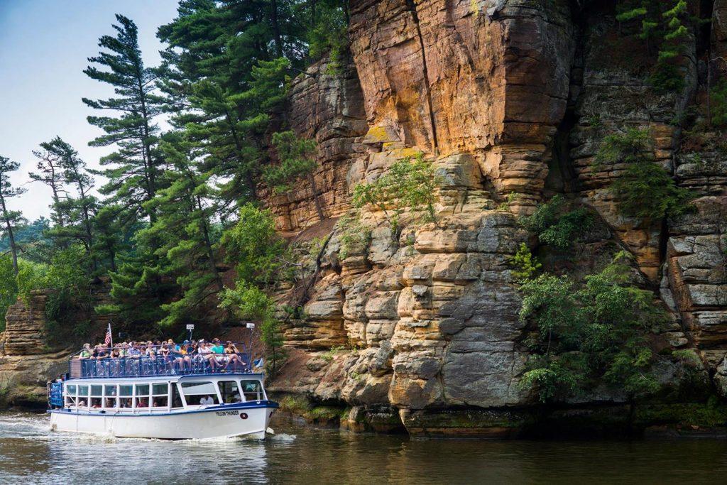 Dells-Boat-Tours Wisconsin Dells Visitor & Convention Bureau