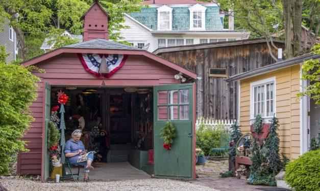Enjoy Diverse Attractions Along Illinois' Waterways