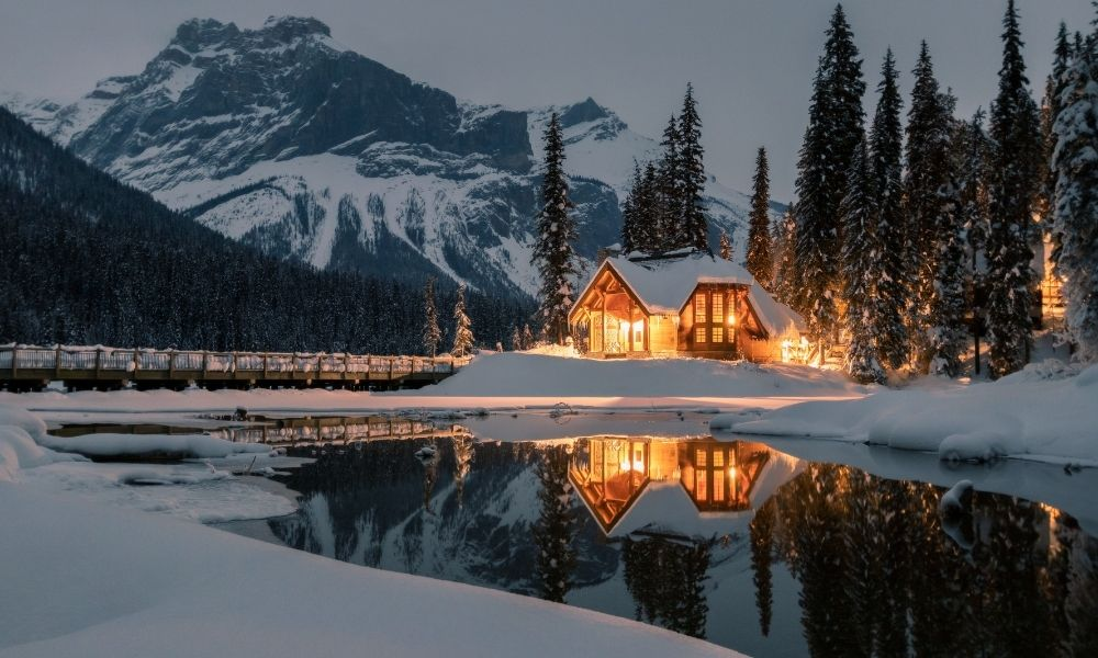 How To Prepare for a Winter Cabin Vacation