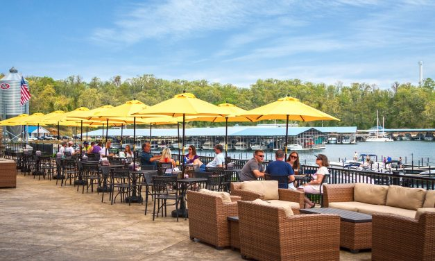 Unwind and Play at the Lake of the Ozarks