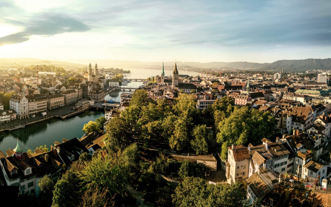 Zurich's Old Town flanks both sides of the Limmat River. Zürich Tourism